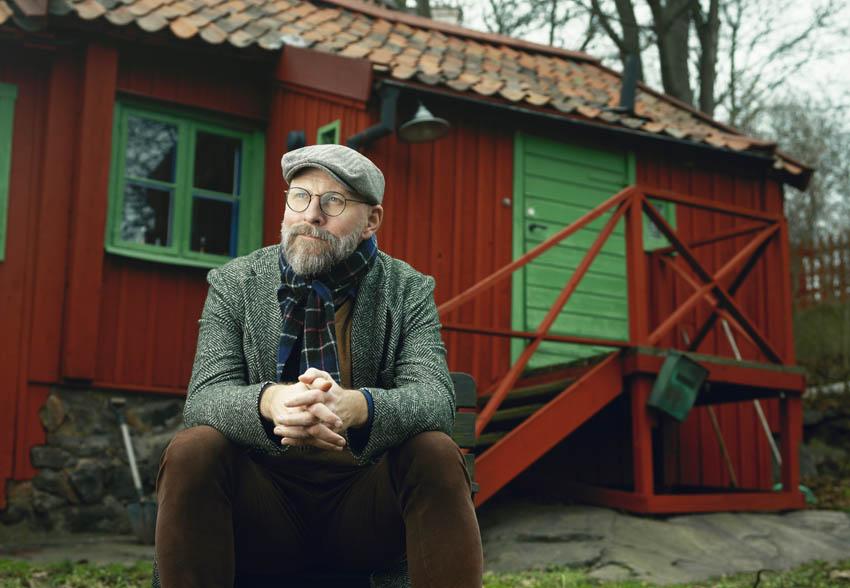Kalle LInd vid Svenska Ords arbetsstuga i Vitabergsparken på Södermalm i Stockholm fotograf Gabriel Liljevall